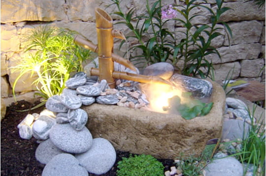 Fontaine en bambou maisons et jardins de lecteurs juin for Fontaine interieur bambou