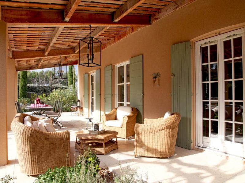 terrasse couverte terrasse 70 photos pour vous inspirer journal des femmes. Black Bedroom Furniture Sets. Home Design Ideas