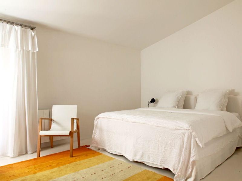 du blanc pour une chambre pleine de fra cheur journal des femmes. Black Bedroom Furniture Sets. Home Design Ideas