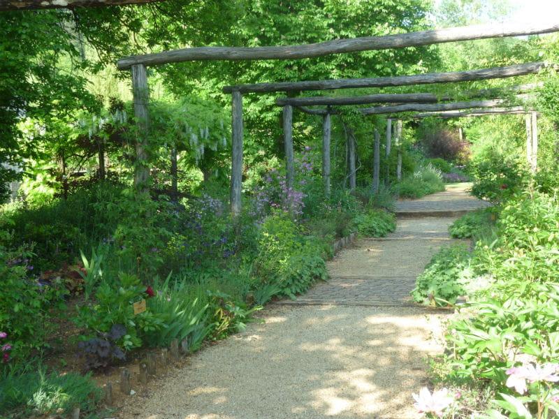 Une all e structur e belles all es de jardin journal des femmes - Allee de jardin facile ...