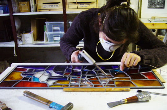 la soudure l 39 tain l 39 art du vitrail journal des femmes. Black Bedroom Furniture Sets. Home Design Ideas