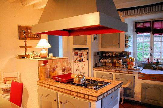 Une cuisine simple mais conviviale le manoir de sarron for Cuisine conviviale