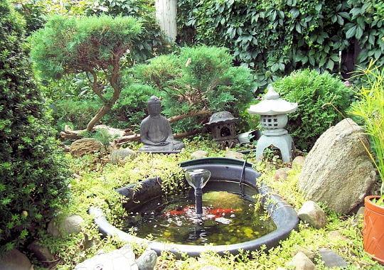 Ambiance japonisante des fontaines pour rafra chir votre for Deco recup pour jardin