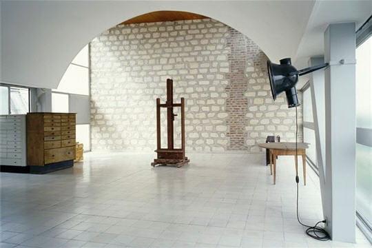 atelier peinture - l'appartement se divise en deux parties distinctes : d'un