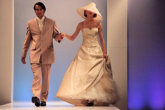 Voyage dans le temps robes de mari e les collections 2009 journal des femmes - Anastasia voyage dans le temps ...