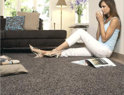 confort assur la moquette r chauffe nos int rieurs journal des femmes. Black Bedroom Furniture Sets. Home Design Ideas