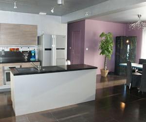 nous voulions un esprit loft usine visitez la maison de charlene journal des femmes. Black Bedroom Furniture Sets. Home Design Ideas