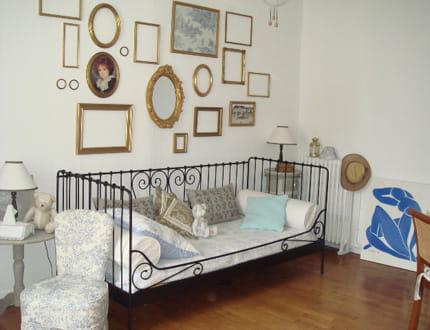 un coin d tente l 39 ancienne visitez la maison de sophie journal des femmes. Black Bedroom Furniture Sets. Home Design Ideas