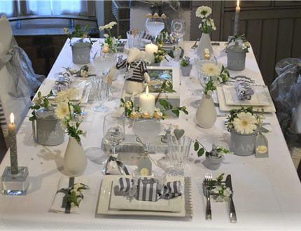 Conseils d coration de table de no l blanc et gris photo - Decoration blanc et gris ...