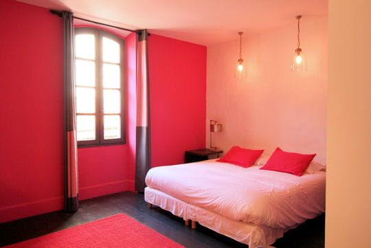 un barr me en rose bonbon 10 chambres de d corateur tout en couleurs journal des femmes. Black Bedroom Furniture Sets. Home Design Ideas