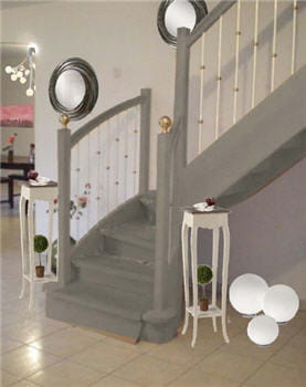 l 39 escalier relook avant apr s une pi ce vivre devenue chaleureuse journal des femmes. Black Bedroom Furniture Sets. Home Design Ideas