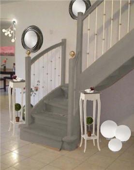 l 39 escalier relook avant apr s une pi ce vivre devenue chaleureuse journal des femmes. Black Bedroom Furniture Sets. Home Design Ideas
