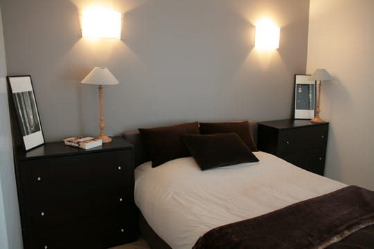 Une chambre pur e un appart 39 classique l 39 esprit loft for Decoration chambre epuree