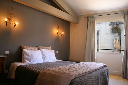 la suite des greniers la maison sur la sorgue journal des femmes. Black Bedroom Furniture Sets. Home Design Ideas