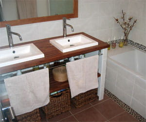 Cr er une salle de bains avec un budget r duit visitez for Creer une salle de bain