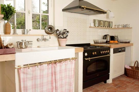 Une cuisine l 39 ancienne d co douceur la maison bleue for Decoration maison a l ancienne