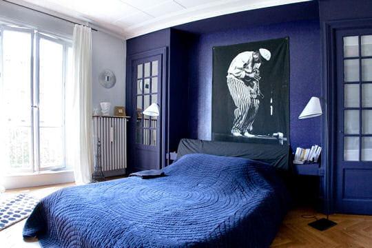 Une chambre th tralis e un appart 39 spacieux la d co - Deco chambre jeune homme ...