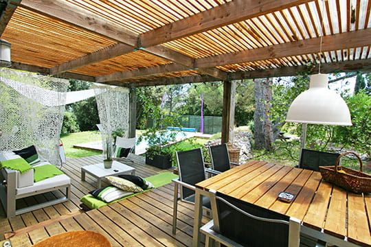 Cocon de bois for Photo deco terrasse exterieur