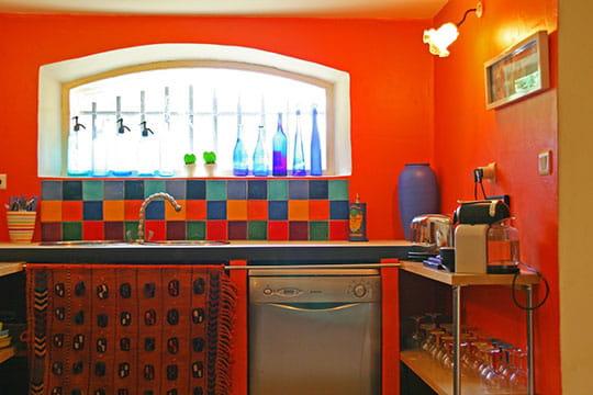 Couleurs et tissus 20 cuisines de d corateurs journal for Deco cuisine coloree