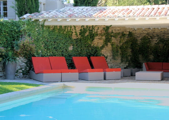 bassin styl 20 piscines de d corateurs journal des femmes. Black Bedroom Furniture Sets. Home Design Ideas