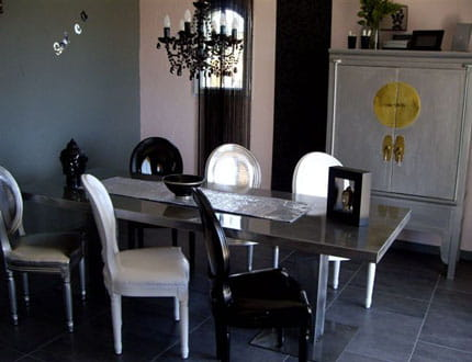 une salle manger baroque visitez la maison de tina. Black Bedroom Furniture Sets. Home Design Ideas