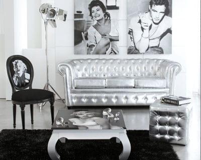 Ambiance cin ma les canap s tiennent salon journal des for Decoration salon argente