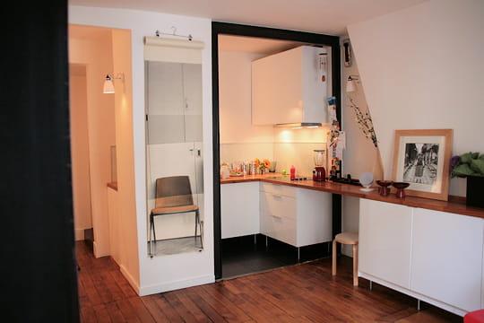 Une cuisine ouverte sur le salon d co astucieuse pour for Cuisine 4m sur 2m