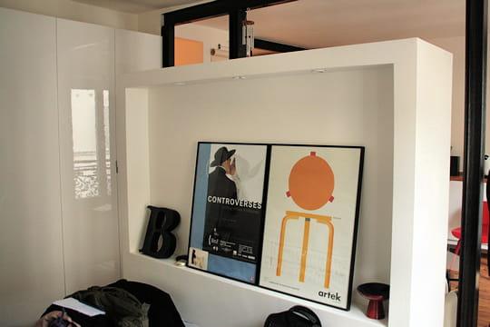 C t chambre c t salon d co astucieuse pour petit appart 39 lumineux - Separation chambre salon ...