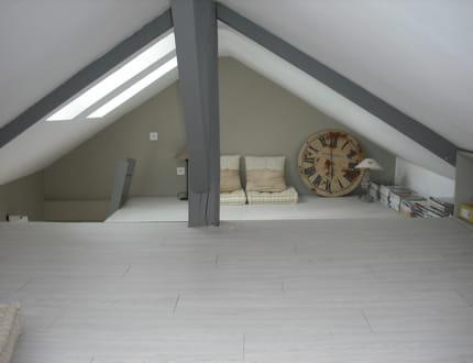 le grenier le coin biblioth que de la maison visitez. Black Bedroom Furniture Sets. Home Design Ideas