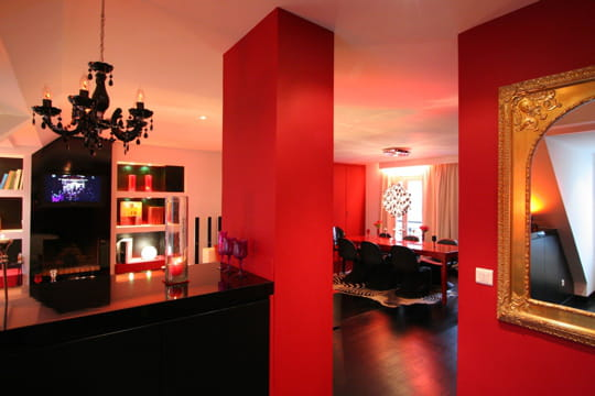 glamour en rouge et noir. Black Bedroom Furniture Sets. Home Design Ideas