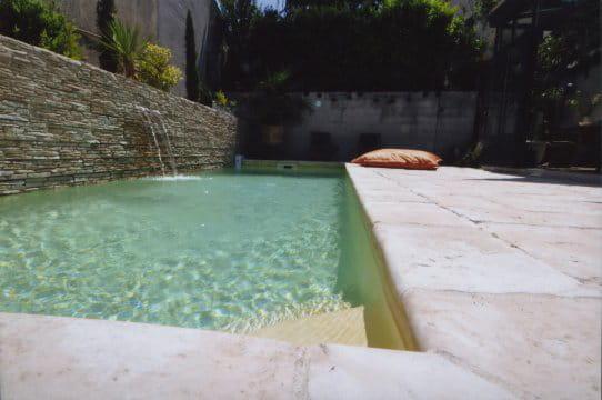 piscines familiales de moins de 25 000 troph e argent les troph es de la piscine journal. Black Bedroom Furniture Sets. Home Design Ideas