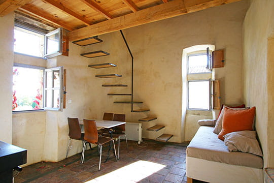 ma cabane scandinave ronde de couleurs dans une maison proven ale journal des femmes. Black Bedroom Furniture Sets. Home Design Ideas