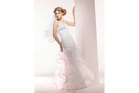 e9b94bf213b Virevoltante - Robes de mariées   collection 2010 - Journal des ...
