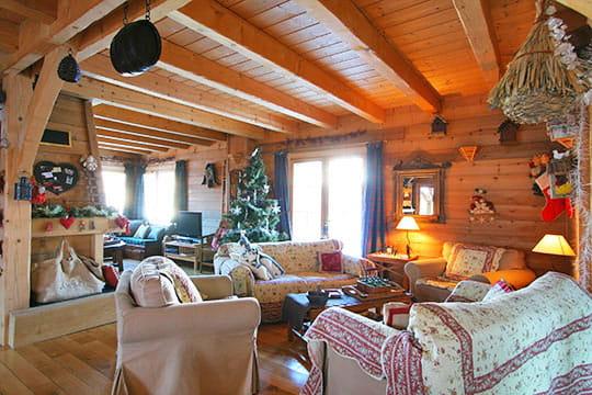 Un espace ouvert  Luxe et bois à la Datcha  Journal des