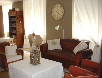 Un salon cosy visitez la maison de carole journal des - Salon ambiance cosy ...