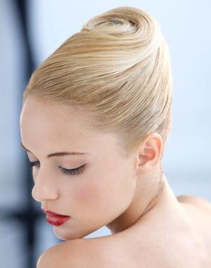 http://www.journaldesfemmes.com/mariage/magazine/10-splendides-coiffures-de-mariage/image/chignon-banane-d-alexandre-paris-537227.jpg