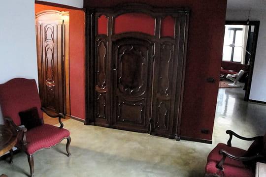 d co l 39 italienne dans une maison familiale journal des femmes. Black Bedroom Furniture Sets. Home Design Ideas