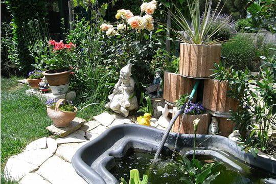 Un bassin tout en r sine les plus beaux bassins for Bac en resine exterieur