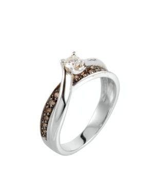 solitaire avec diamants bruns du manège à bijoux