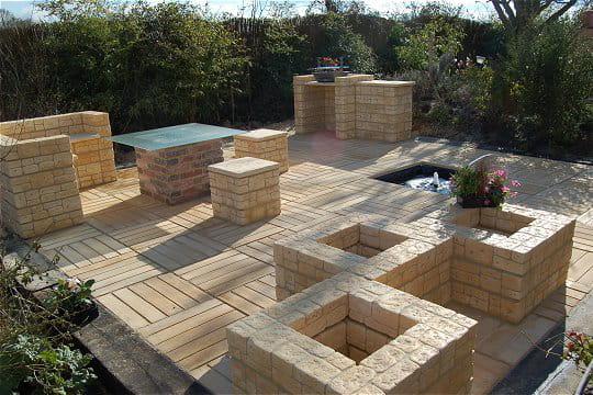la terrasse est termin e r alisez une terrasse meubl e journal des femmes. Black Bedroom Furniture Sets. Home Design Ideas
