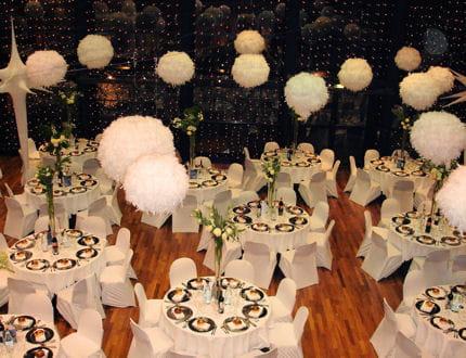 mariage en hiver une d co chaleureuse 12 d corations de mariage pour r ver journal des femmes. Black Bedroom Furniture Sets. Home Design Ideas