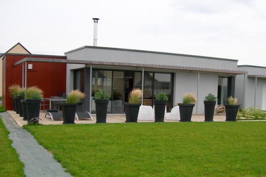 Sur la terrasse dix maisons d 39 architecte 100 000 euros for Maison container 100 000 euros