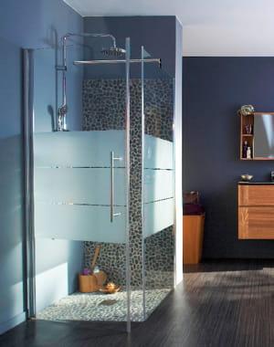 le charme des galets douche l 39 italienne l gance dans la salle de bains journal des femmes. Black Bedroom Furniture Sets. Home Design Ideas