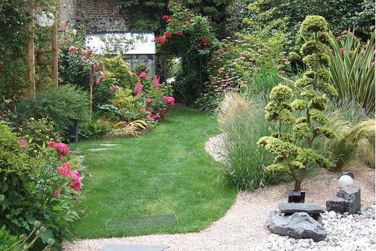Au d tour d 39 une all e ambiance zen dans le jardin for Le jardin normand