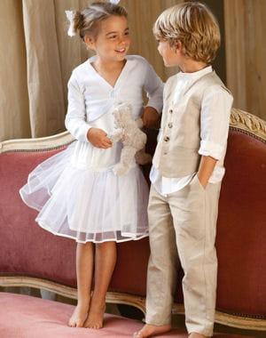 mariage 30 tenues pour les enfants journal des femmes. Black Bedroom Furniture Sets. Home Design Ideas