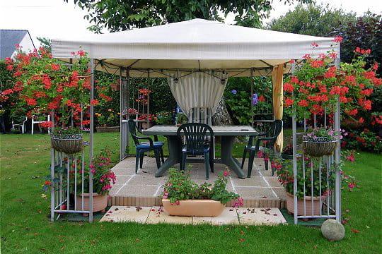 terrasse milieu jardin