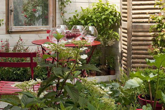 Jardin urbain cologique des id es design pour le jardin for Le jardin urbain garderie