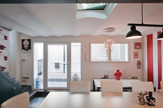 une entr e par la cuisine une maison 1930 relook e du sol au plafond journal des femmes. Black Bedroom Furniture Sets. Home Design Ideas