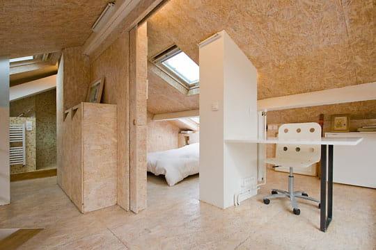 des parois mobiles petit nid sous les combles journal des femmes d coration. Black Bedroom Furniture Sets. Home Design Ideas