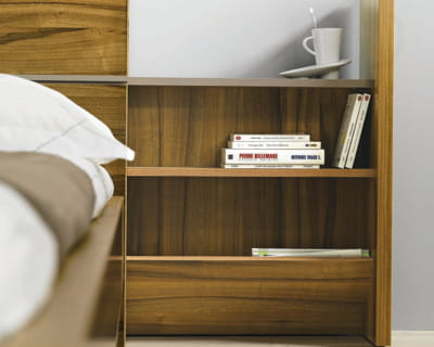 t te de lit avec rangement int gr vive les rangements malins journal des femmes. Black Bedroom Furniture Sets. Home Design Ideas